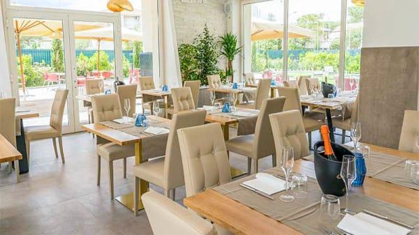 Vista sala - FlaminGold - Food & Beverage, Cecina
