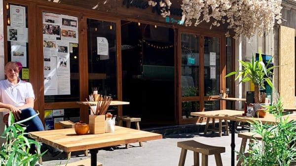 Terrasse ouverte depuis le 2 juin ;) - Neko Ramen, Paris