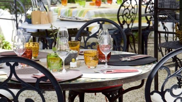 Détail de la table - La Gourmandine, Châtellerault