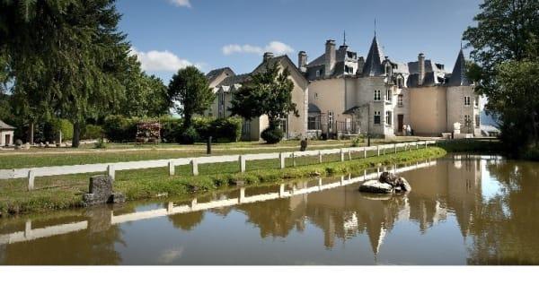 Vue extérieure - Le Théophile - Château d'Orfeuillette, Albaret-Sainte-Marie