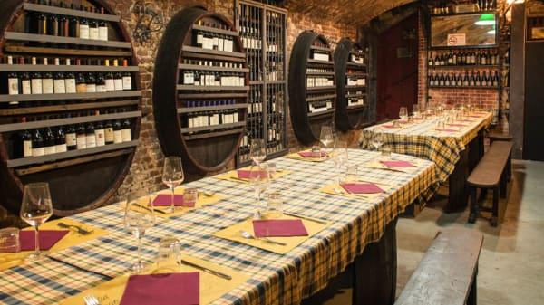 Sala del ristorante - L'Ostu, Turin