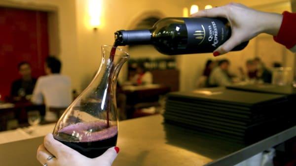 vino - Alminhas, Tomar