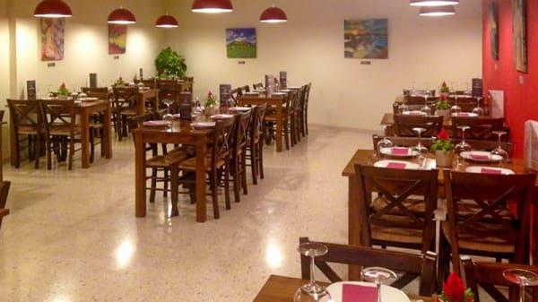 Vista de la sala - A la Brasa, Gastronomía y Arte, Tomares