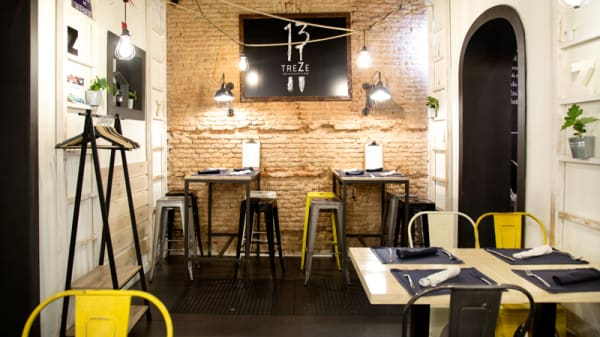 Vista Sala - Treze Bar, Madrid