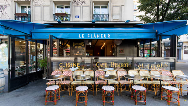 Vue de la terrasse - Le Flâneur, Paris