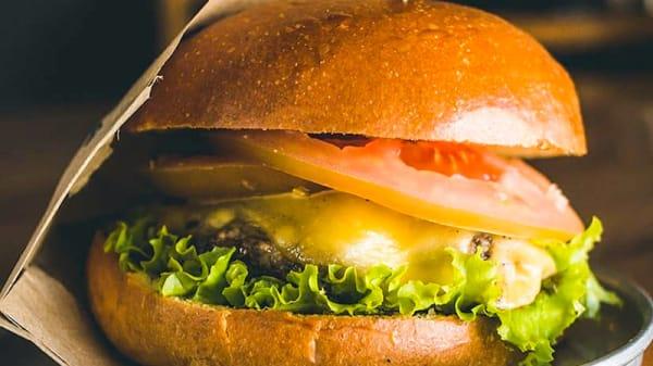Sugestão prato - Burgue | In-Out Burgers, São Paulo