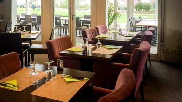 intérieur - Restaurant du Golf de Saint-Quentin-en-Yvelines - Le 19ème trou