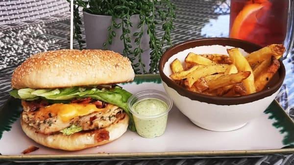 Chicken Cheeses Burger - OBA - O Burger D'Almancil, Almancil
