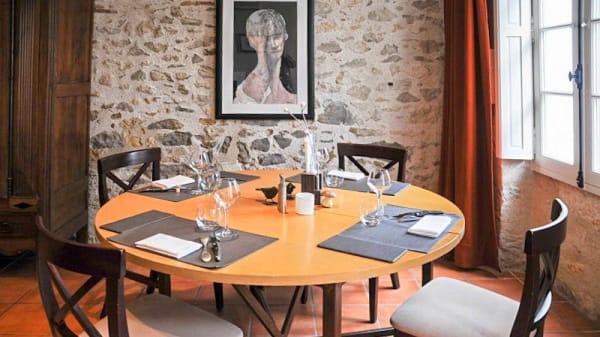 Salle du restaurant - Auberge le Prieuré, Moirax