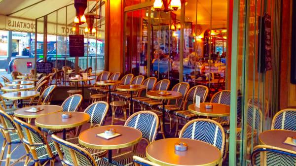 La Terrasse - Le Pierrot, Paris