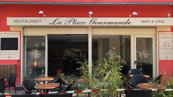 Devanture - La Place Gourmande, Marseille