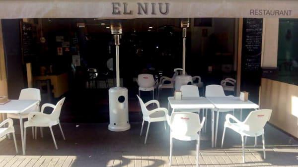 Entrada - El Niu, Badalona