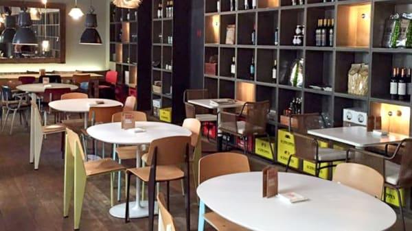 Vista de la sala - Bar Tomate, Madrid