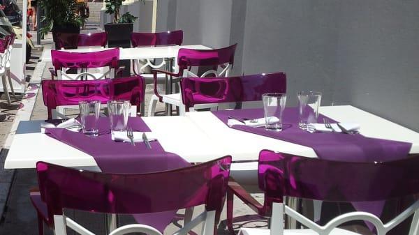 Zoom sur la terrasse - Marlone Café, Nice