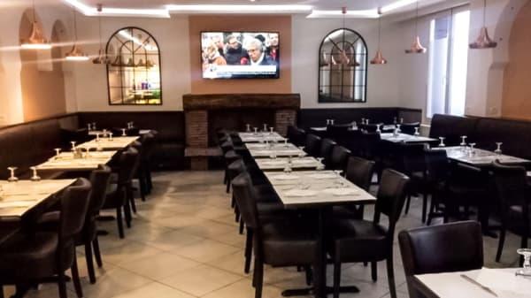Salle du restaurant - Les Deux Frères, La Courneuve
