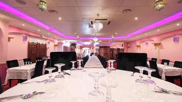Table dressée - Royal Prince, Champigny-sur-Marne