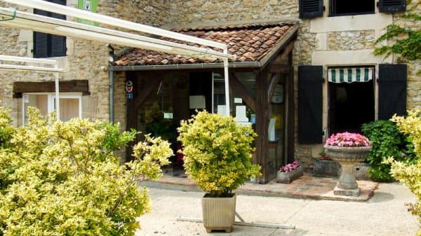 Entrée du restaurant - La Ciboulette, Croutelle