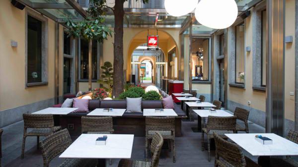 Sala - Illy Caffè Monte Napoleone, Milan