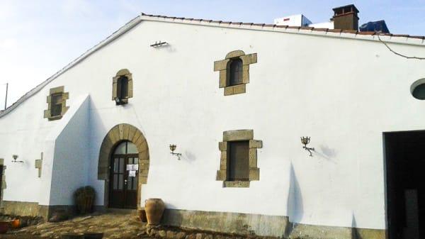 La masia - Masia Can Puigdemir, Vallgorguina