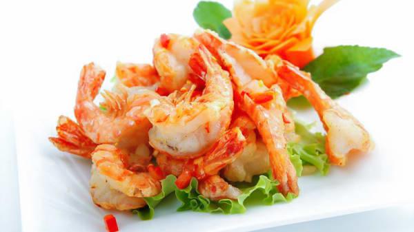Crevettes au sel et poivre - La Table Saint Germain, Saint-Germain-en-Laye