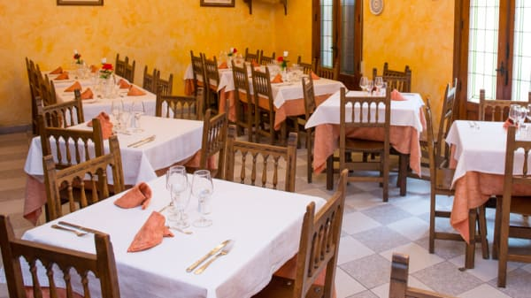 Sala - Restaurante César, Pastrana