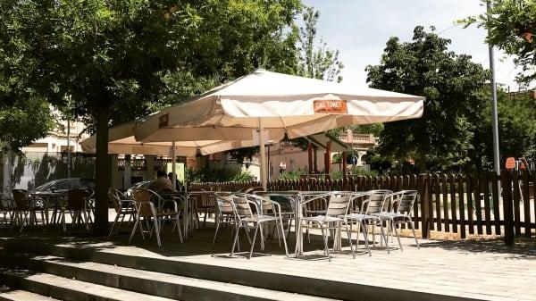 Terraza junto a parque infantil - Cal Tonet, Igualada