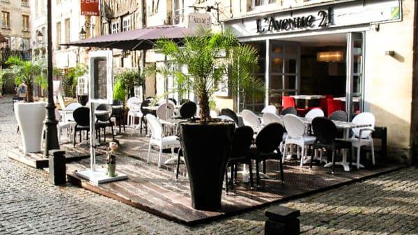 Vue devanture - L'Avenue 21, Caen
