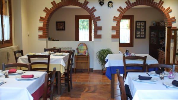 Sala del restaurante - La Trattoria del Lupo, Galende