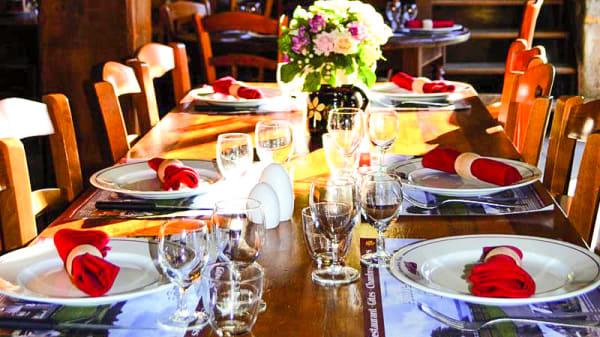table dressée - Auberge de la Porte, Saint-Jouan-des-Guérets