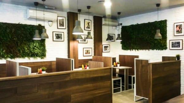 La sala - Encarnitas Burger, Madrid