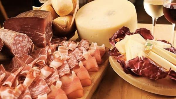 Tagliere di formaggi - Sapori & Motori, Roma