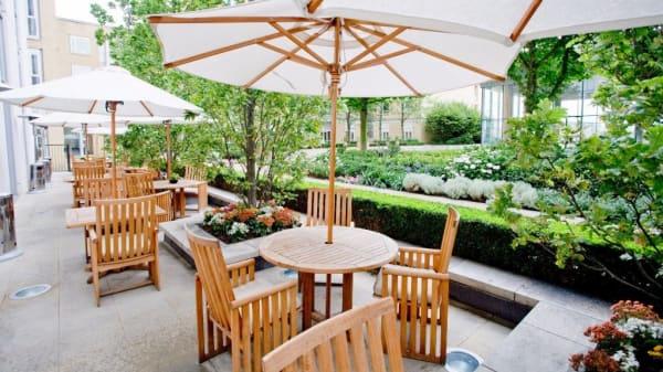 Restaurant - Quadrato Restaurant - Canary Riverside Plaza, London