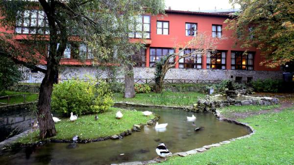 Vista jardín - Restaurante Llar del Molín - Parador de Gijón, Gijón