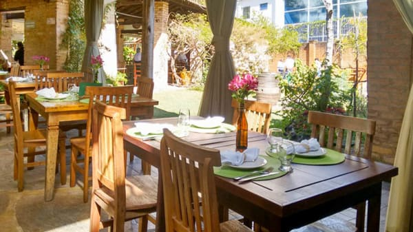vista da sala - Ollivia Gastronomia, Poços de Caldas