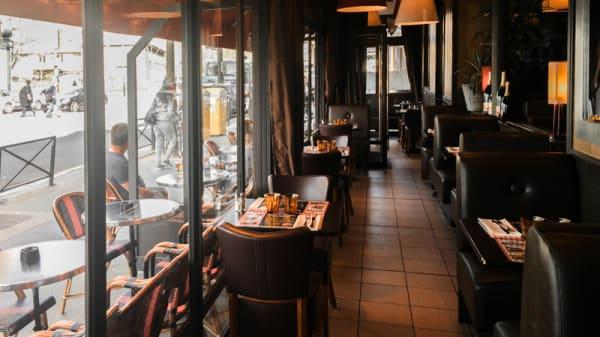 veranda - Aux Trois Obus, Paris