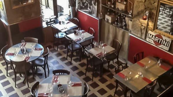 vue de la salle - Cafe de Lyon, Barberaz
