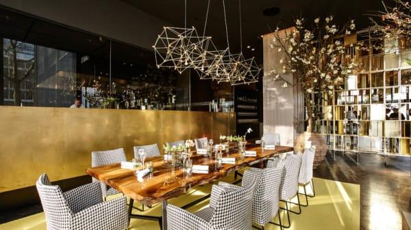 Restaurantzaal - Joelia, by Mario , Rotterdam