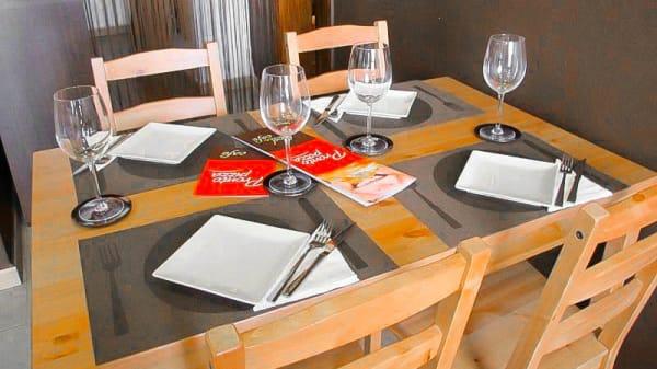Detalle mesa - Prontopizza - Corralejo, Corralejo