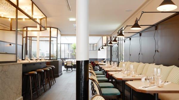Vue tables - Manger, Paris