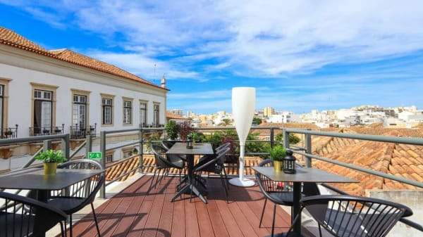 Esplanada - Cidade Velha Rooftop, Faro
