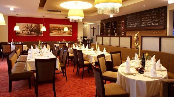 Vista de la sala - Restaurant Zum Dorfmeister Wirt, Weikersdorf am Steinfelde