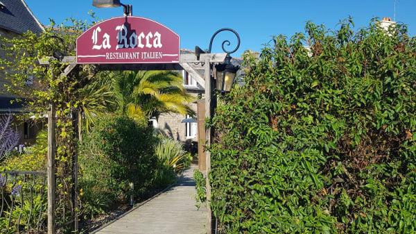 Entré - La Rocca, Trélévern