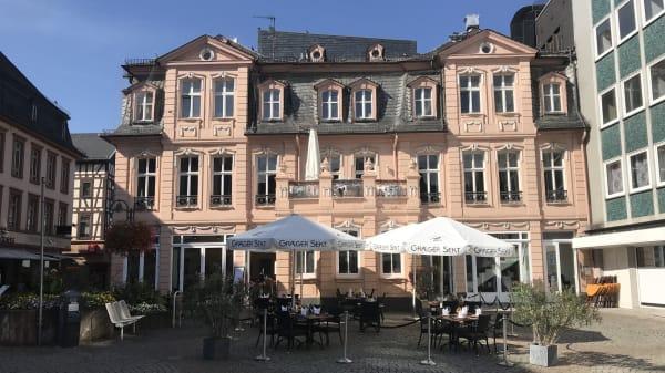 Eine Außenansicht der Geniesserei ALTE WACHE im September - Geniesserei Alte Wache, Bingen am Rhein
