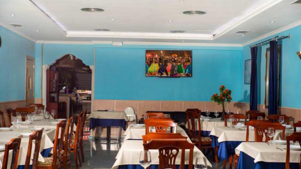 Vista de la sala - Swad Indian Restaurant - Madrid, Madrid