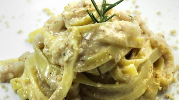 Fettuccelle lardo e noci - Tavernetta Marinella, San Michele Di Serino