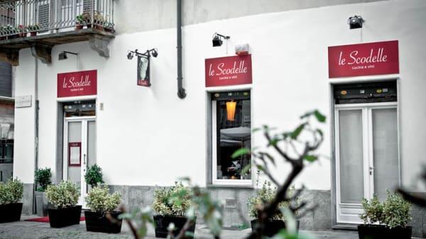 Ext Via Stampatori - Le Scodelle, Turin