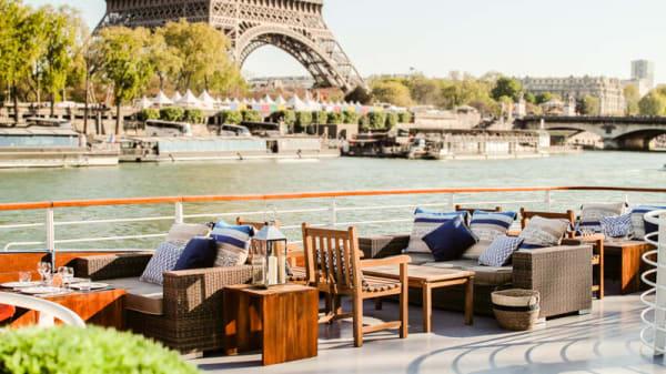 La terrasse - l'Instant by Le Paris, Paris