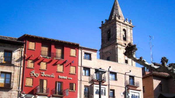 Vista exterior - Rey Sancho, Navarrete