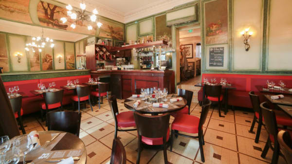 Intérieur du restaurant Le Buisson Ardent Paris 5ème - Le Buisson Ardent, Paris