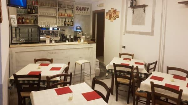 Vista sala - Pizzeria Ai Portici, Taverne D'arbia